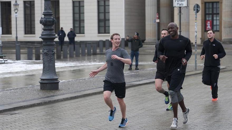 Zuckerberg genera polémica en la red por una carrera en Pekín
