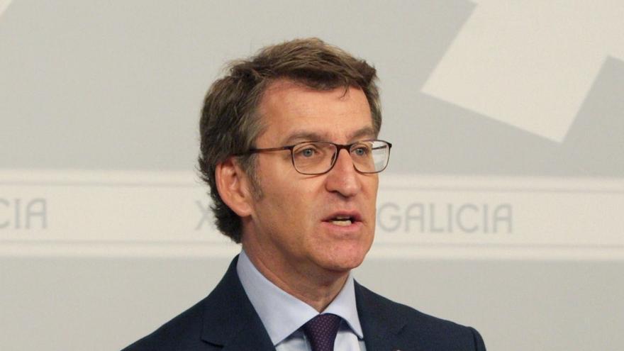 """Feijóo subraya que Rajoy está citado """"como testigo"""" y reivindica la """"honestidad absoluta"""" de su jefe de filas"""