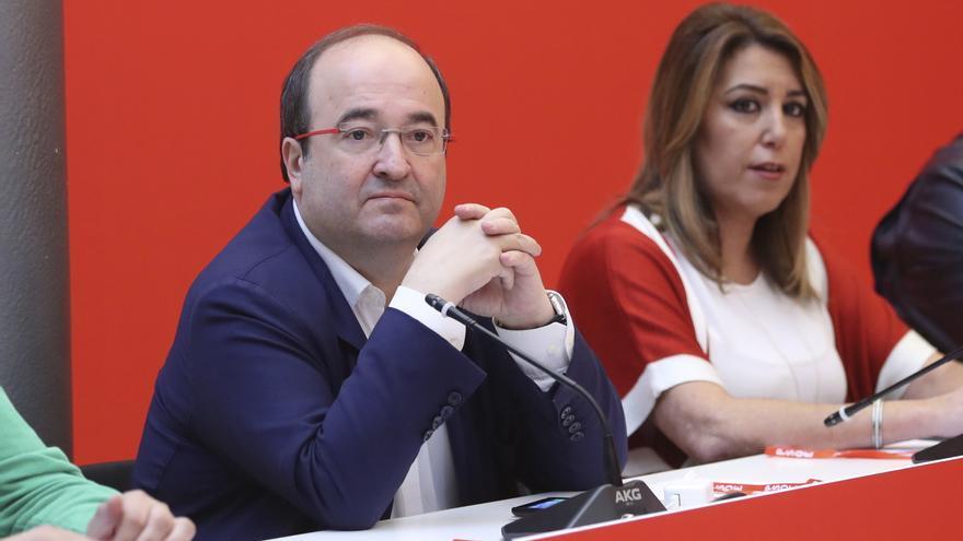 El líder de los socialistas catalanes, Miquel Iceta y la líder andaluza, Susana Díaz, durante la reunión del Comité Federal del PSOE