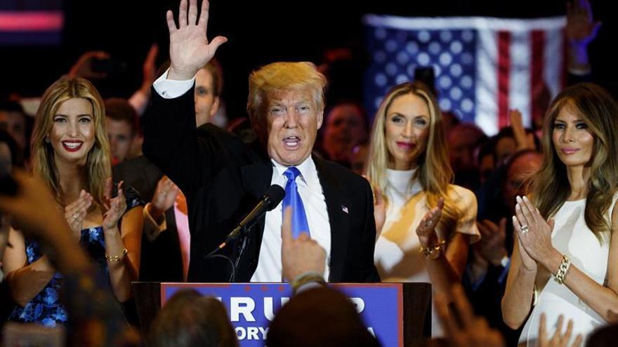 Trump considera a alguien con experiencia política para vicepresidente