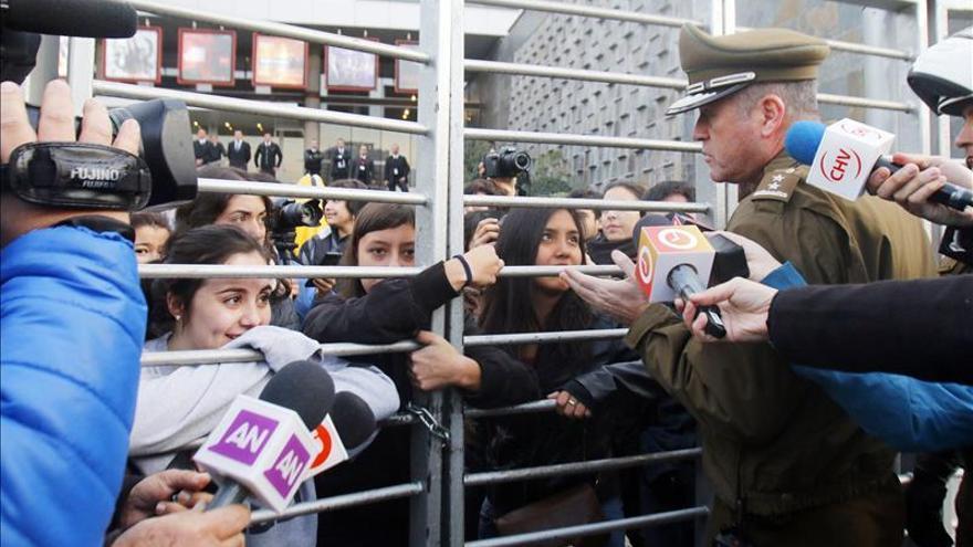 Estudiantes chilenos toman las calles y se enfrentan con la Policía