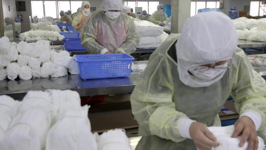 El coronavirus dispara la venta de mascarillas en las farmacias