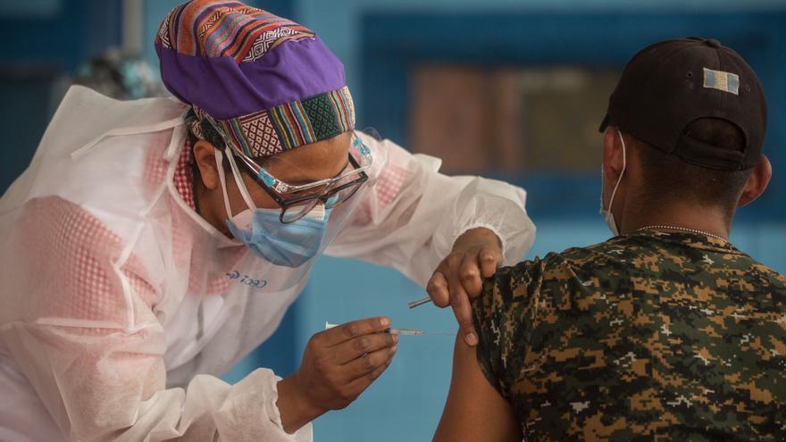 Guatemala no tiene certeza sobre la llegada al país de nuevas vacunas Sputnik V