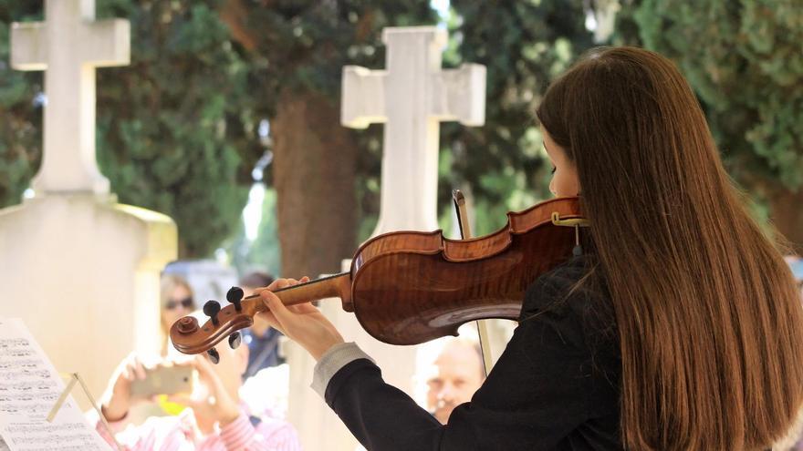 Actividades en cementerios