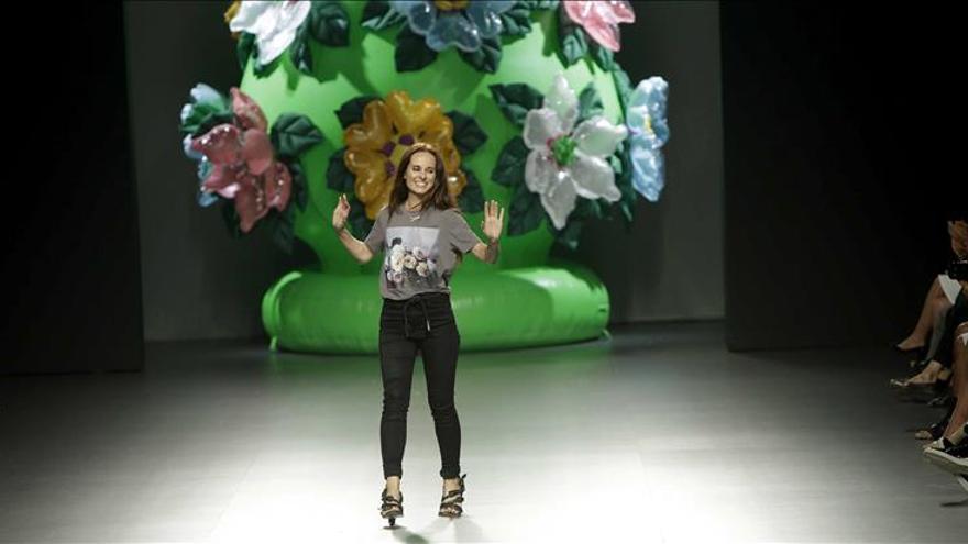 Ana Locking lamenta que la industria de la moda no apoye a los diseñadores