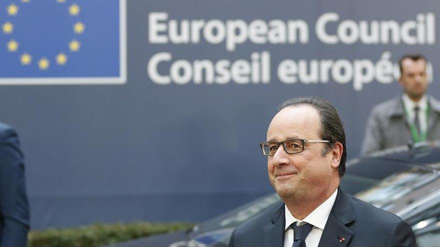Artistas, creadores y deportistas muestran su apoyo a Hollande