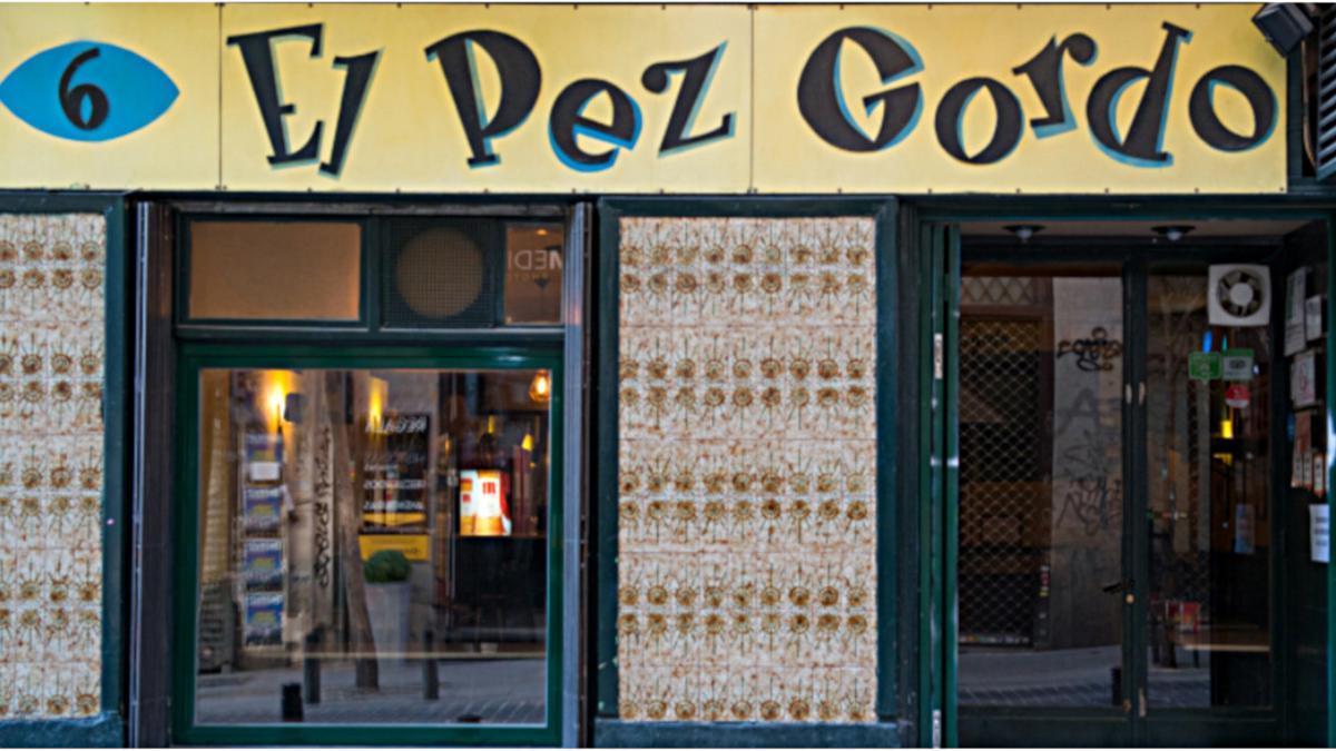Fachada de El Pez Gordo, en el número 6 de la calle del Pez