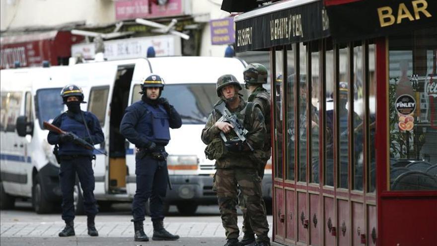 Detenido un hombre por facilitar armas al cerebro de los ataques de París