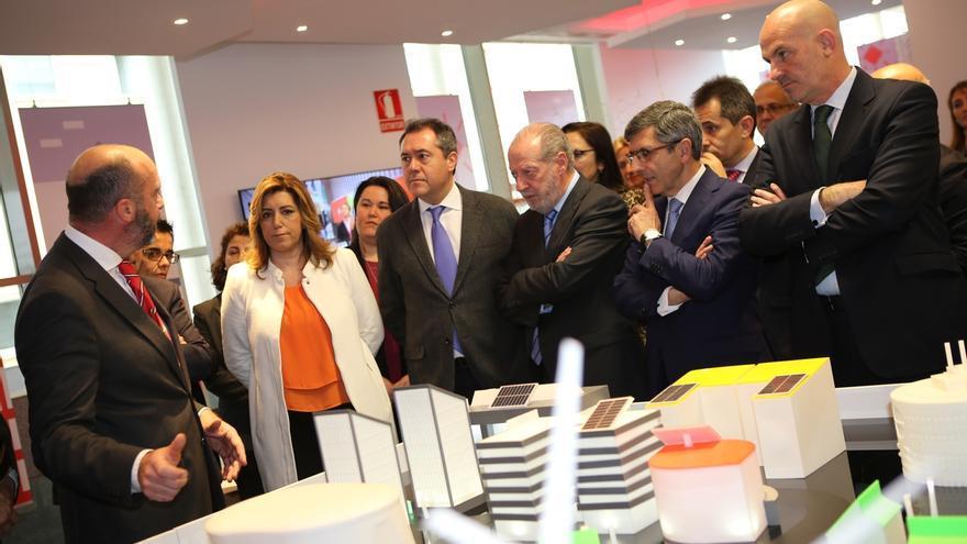 Díaz presenta una nueva convocatoria del Programa Minerva, que consigue un éxito superior al 75%