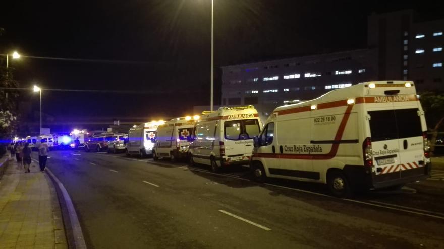 Los vehículos de la ONG Cruz Roja también fueron movilizados ante la gravedad de lo ocurrido