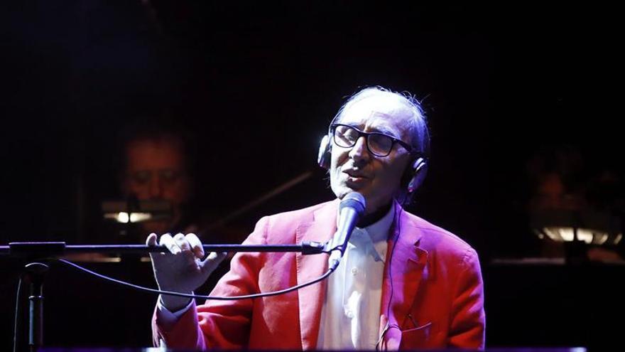Franco Battiato muestra su eterna juventud musical ante un público variado