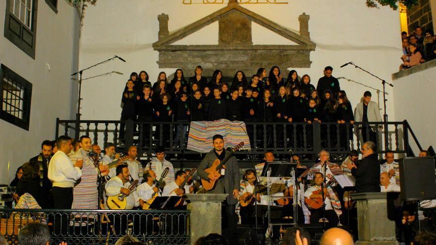 En la imagen, un recital navideño de Tajadre en la Plaza de España.