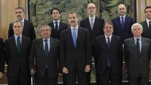 La asociación de empresas de sondeos informa a Felipe VI de sus actividades