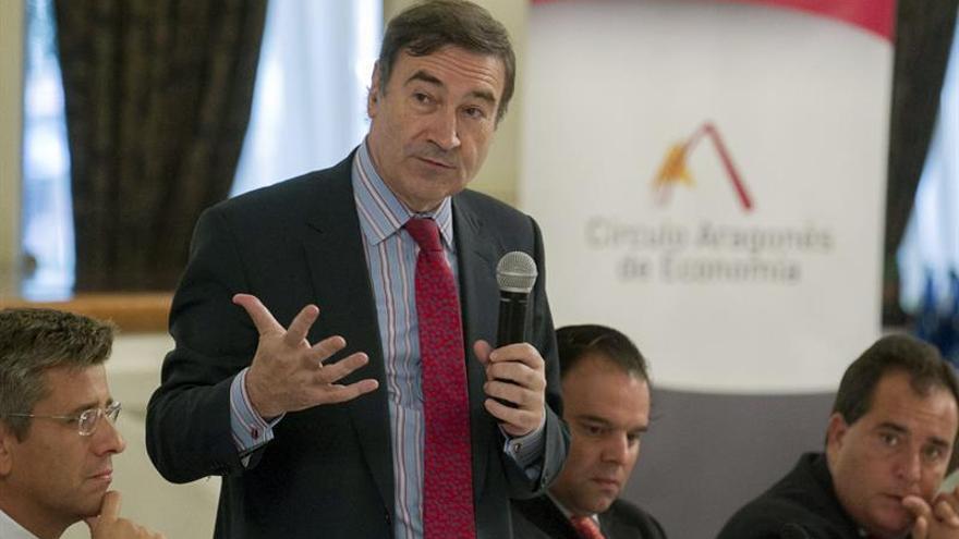 César Navarro preside el Ateneo y Pedro J. Ramírez, vicepresidente