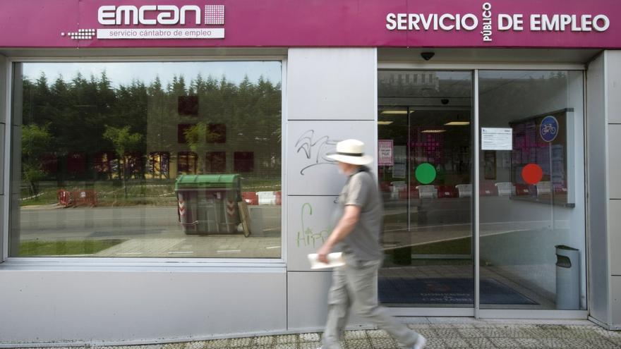 Oficina del Servicio Cántabro de Empleo en Santander.   JOAQUÍN GÓMEZ SASTRE