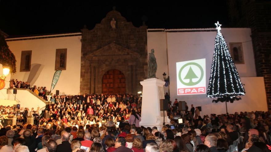 La actuación fue seguida por numeroso público. Foto: JOSÉ AYUT
