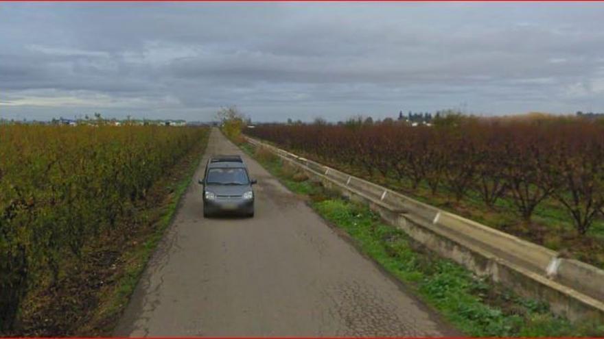 Acequia carretera Valdelacalzada