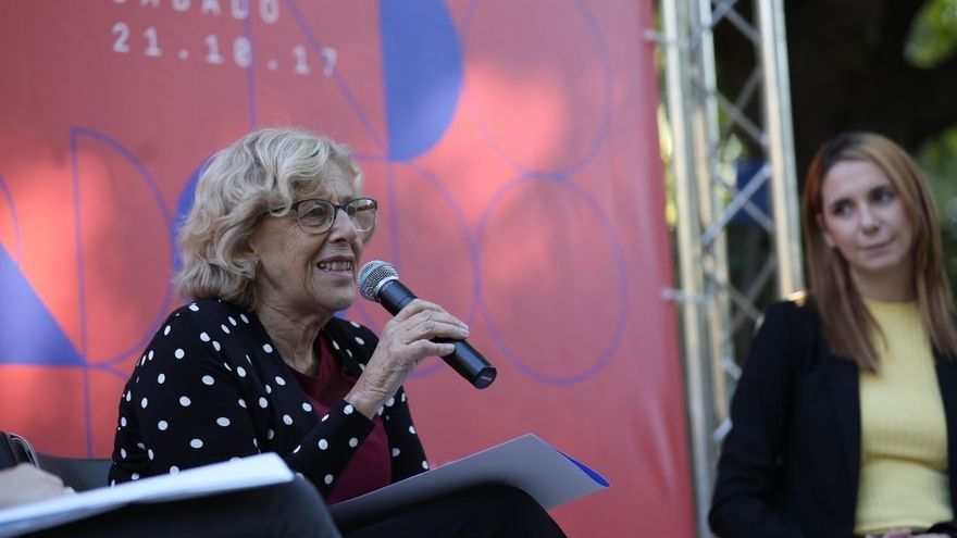 """Carmena, a su llegada al desfile del 12-O, destaca que el Ayuntamiento """"está en la fiesta nacional"""""""