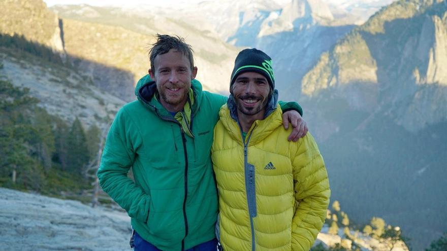 Tommy Caldwell y Kevin Jorgeson (© Chris Burkard).