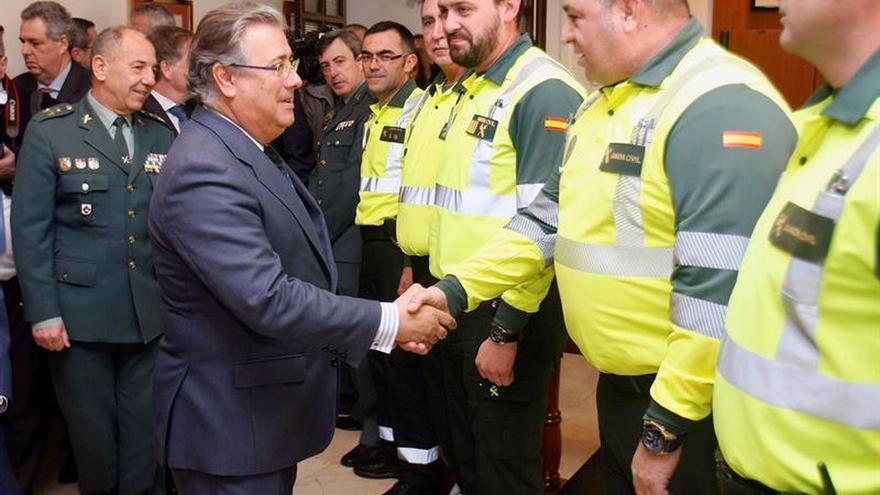 """Zoido ve """"modélica"""" la labor de Guardia Civil en las carreteras en temporal"""