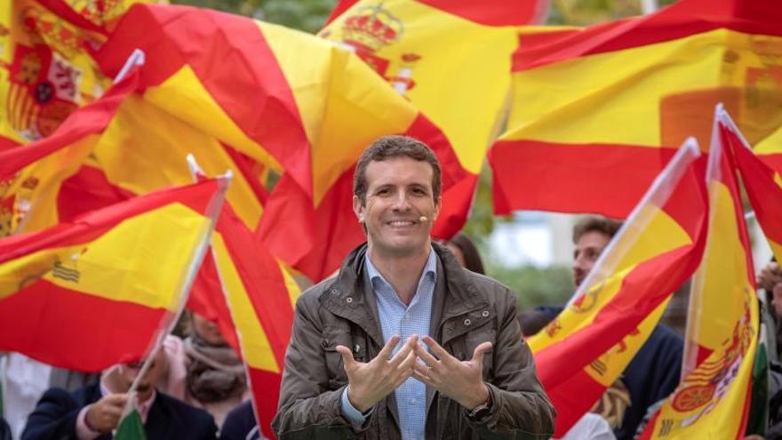 """Casado sitúa al PP como único partido alternativo a la """"felonía"""" del Gobierno"""