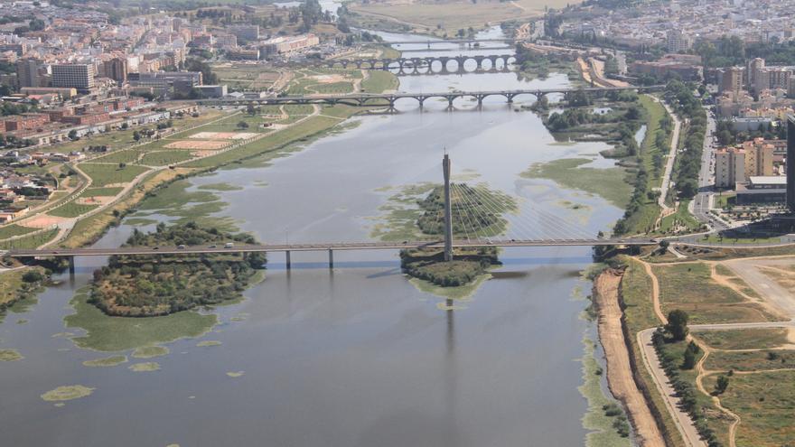 Vista aérea de Badajoz tomada en la Vuelta Aérea Turística a Extremadura / Cedida a la Junta de Extremadura