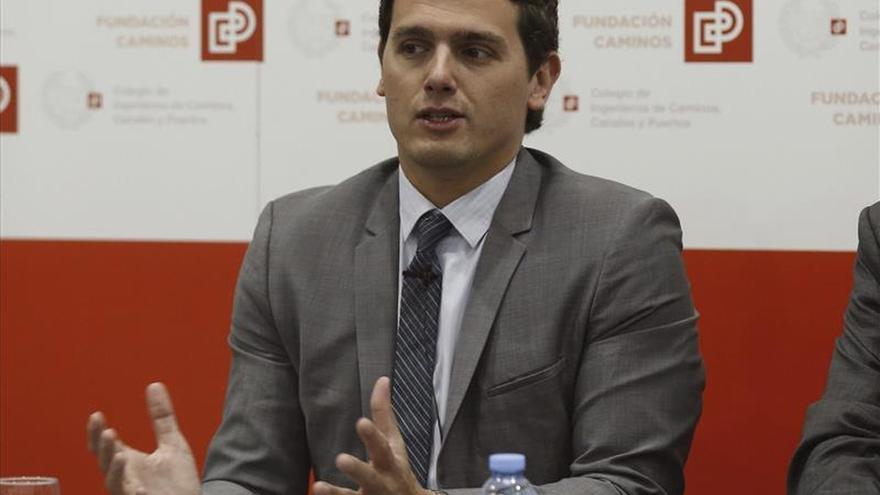 Albert Rivera dice que respetará un pacto en Asturias con exmiembros de UPyD