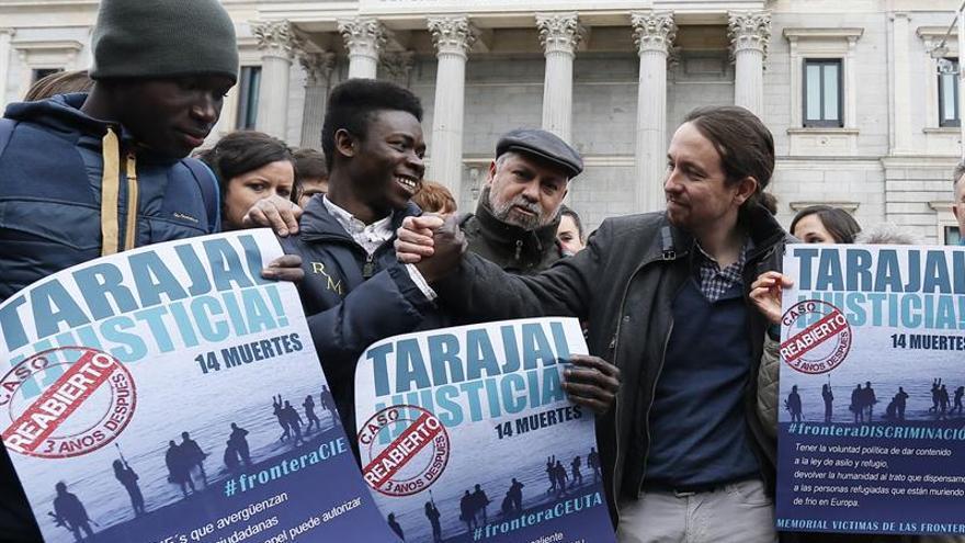 """Podemos homenajea en el Congreso a las víctimas de la """"ignominia"""" del Tarajal EFE"""