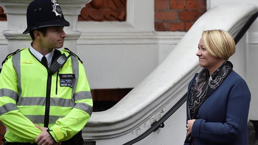 Concluye el interrogatorio a Assange en la Embajada de Ecuador en Londres