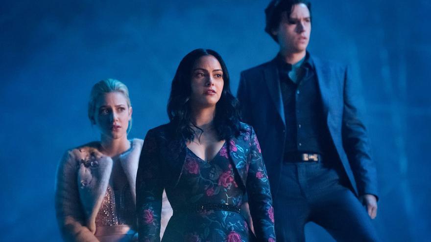 The CW renueva 13 series de su catálogo, entre ellas 'Supergirl', 'The Flash' y 'Riverdale'