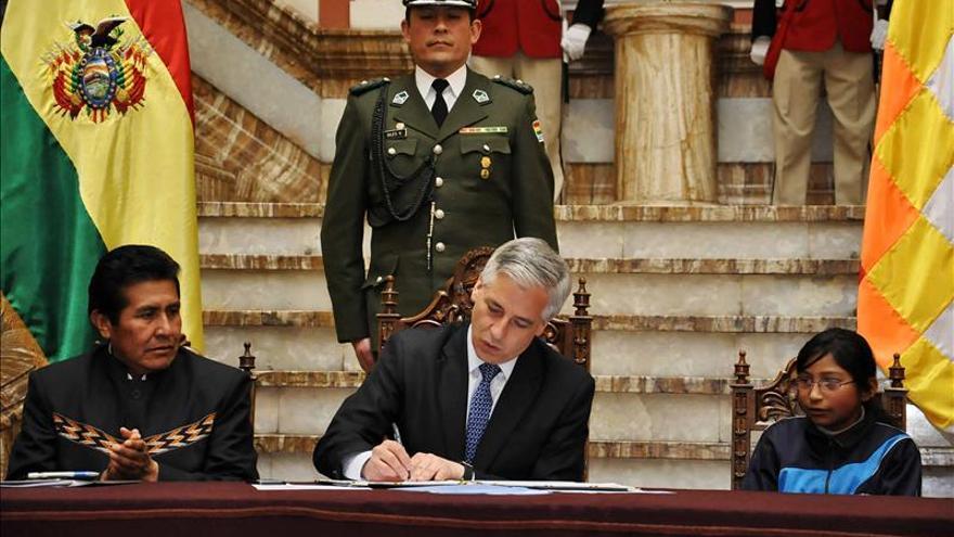 Vicepresidente boliviano se entrevistará con Shinzo Abe en su viaje a Japón