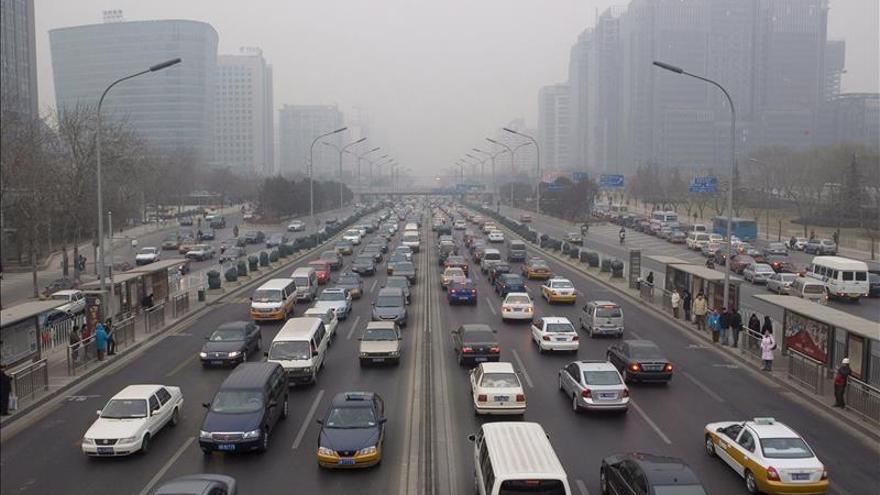 Cadena perpetua a exjefe de tráfico de Pekín por traficar con matrículas