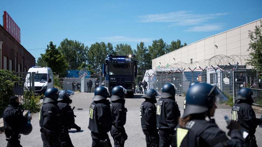 El gobierno alemán compara a los extremistas de Hamburgo con neonazis y yihadistas