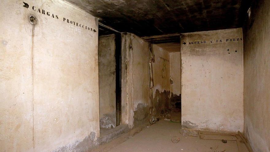 Interior de la batería militar de Taliarte