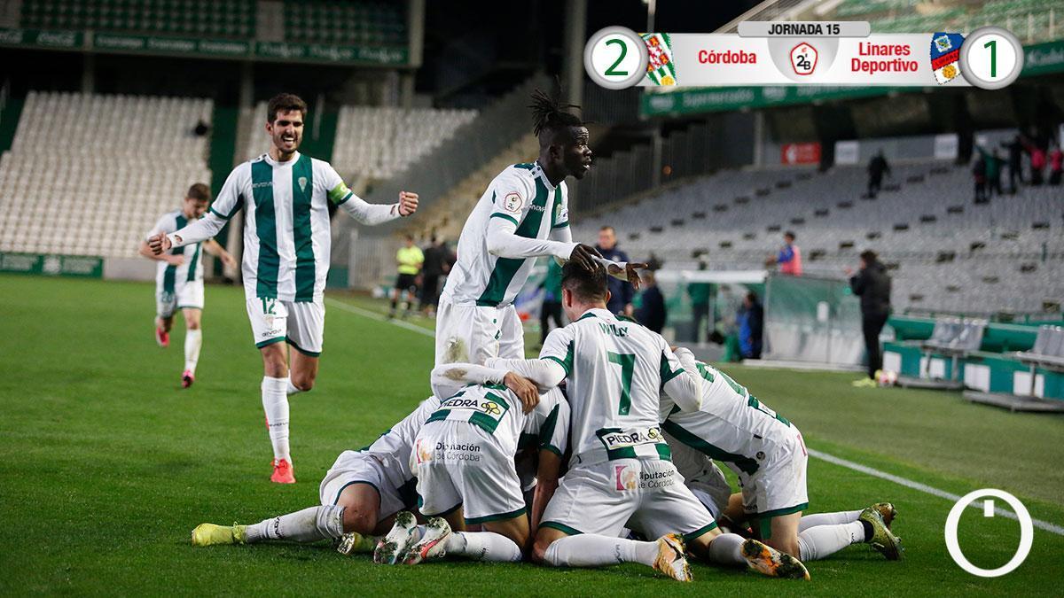El Córdoba CF celebra el 2-1 contra el Linares