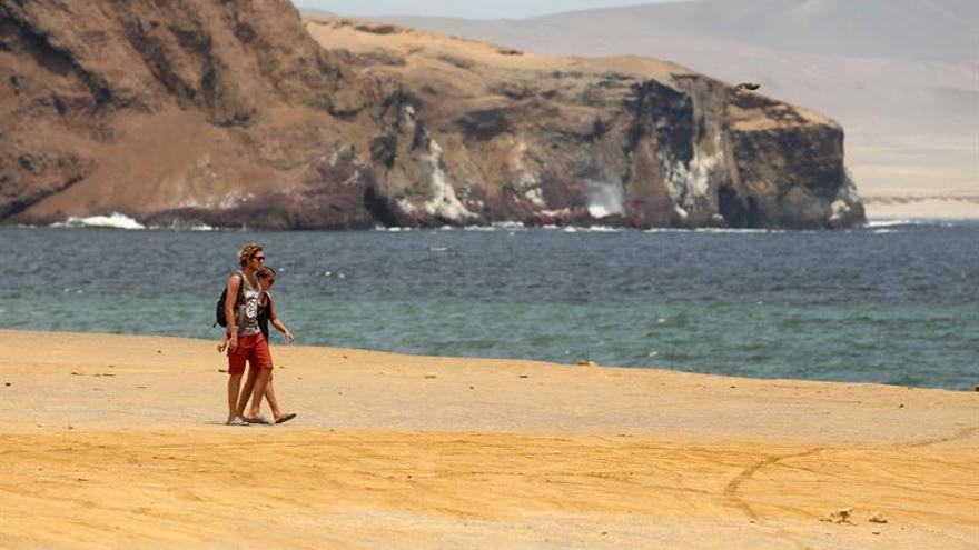 Paracas, desierto al borde del Pacífico para diversificar el turismo en Perú