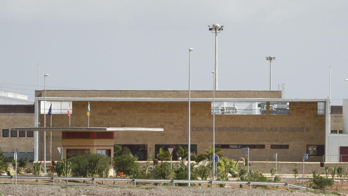 Fachada principal de la prisión de Juan Grande, en Gran Canaria