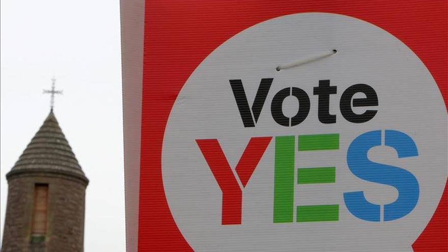 Abren los centros de votación del referéndum irlandés sobre el matrimonio homosexual