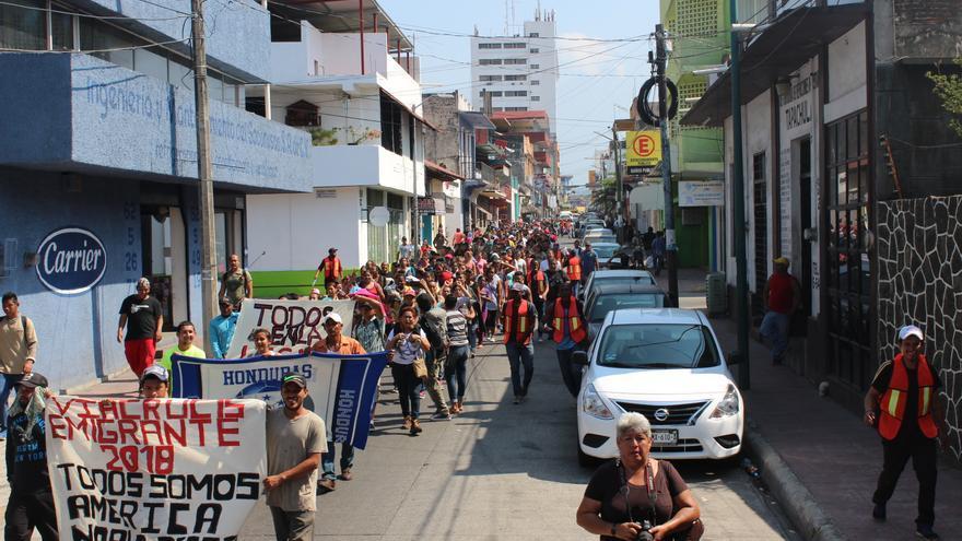 El 'viacrucis' migrante a su paso por Tapachula, en la frontera sur mexicana.