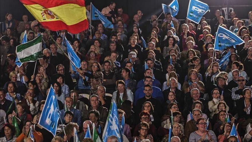 Aguirre, primera en llegar a Génova para el inicio de la campaña del PP