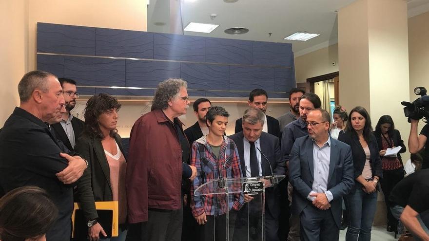 Unidos Podemos e independentistas escenifican mañana su frente común contra el Gobierno y pro referéndum