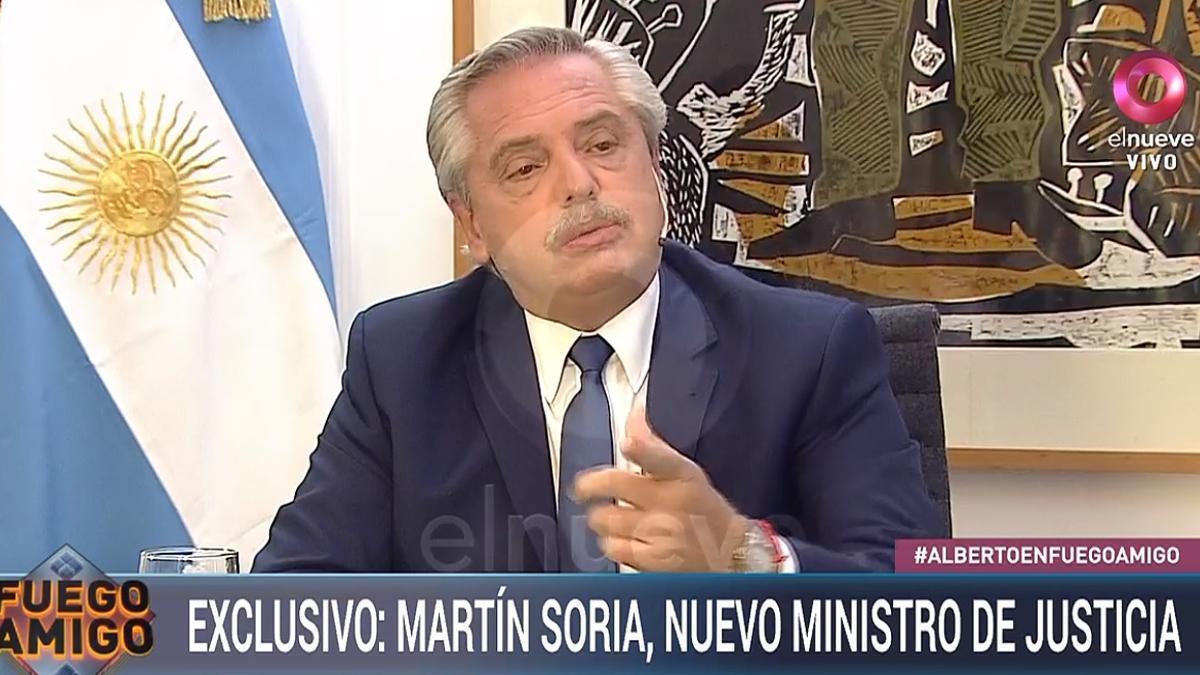 """Alberto Fernández, en el programa """"Fuego amigo"""", que se emite por Canal 9"""