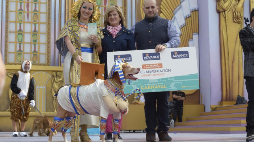 Primer premio del concurso canino.