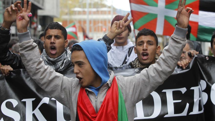 Unos jóvenes durante una manifestación.