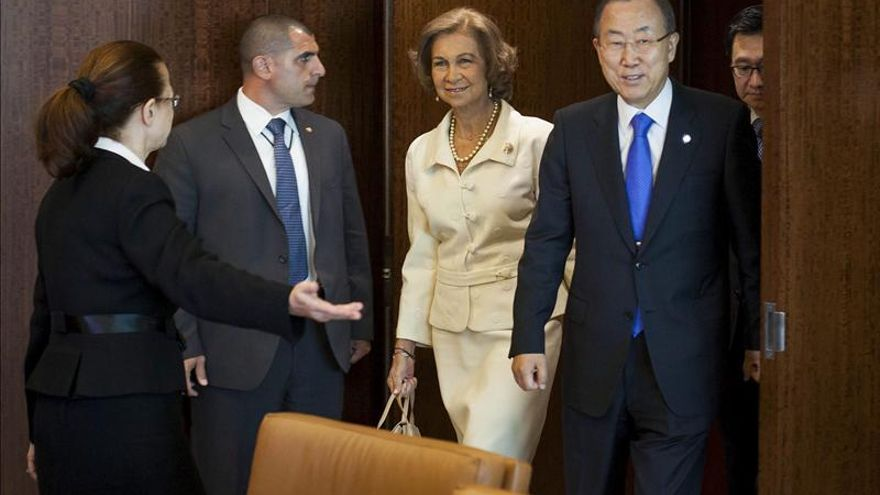 La reina Sofía recibe el Premio Roosevelt sobre discapacitados otorgado a España