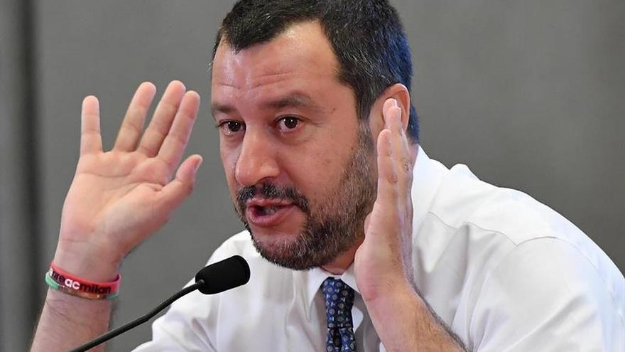 """Salvini insiste en que el Aquarius """"no verá nunca"""" un puerto italiano"""