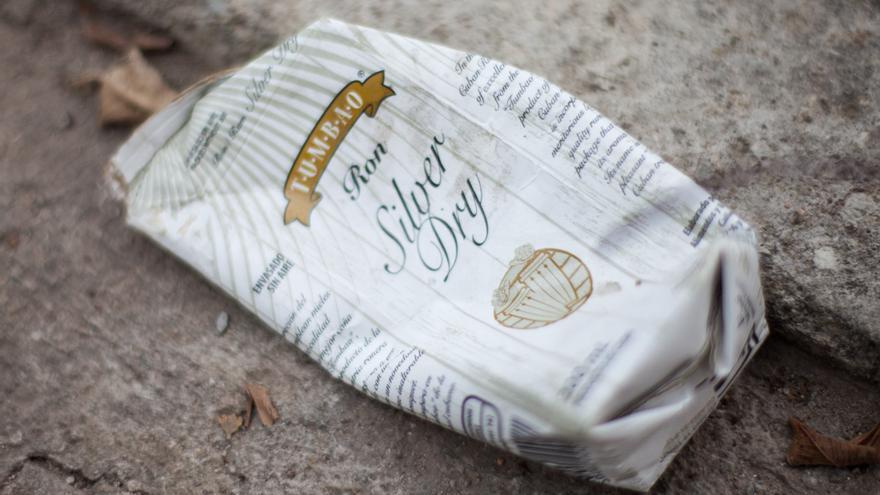 """Los restos del """"Planchao"""", al que nadie se refiere como Silver Dry, quedan tan  a ras de suelo como las víctimas de sus efectos."""
