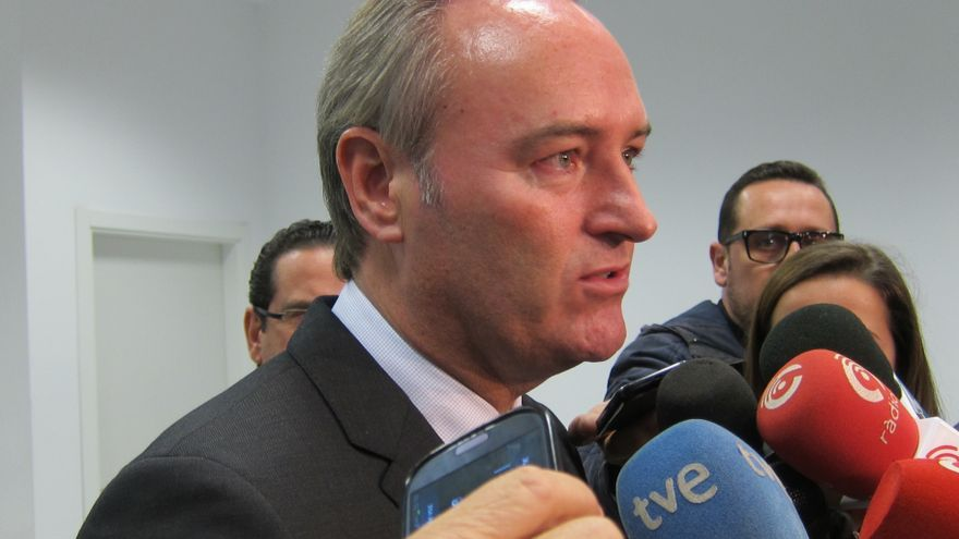 """Fabra, """"respetuoso"""" con la petición del fiscal, dice que ahora Martínez """"tiene la oportunidad de defenderse"""""""