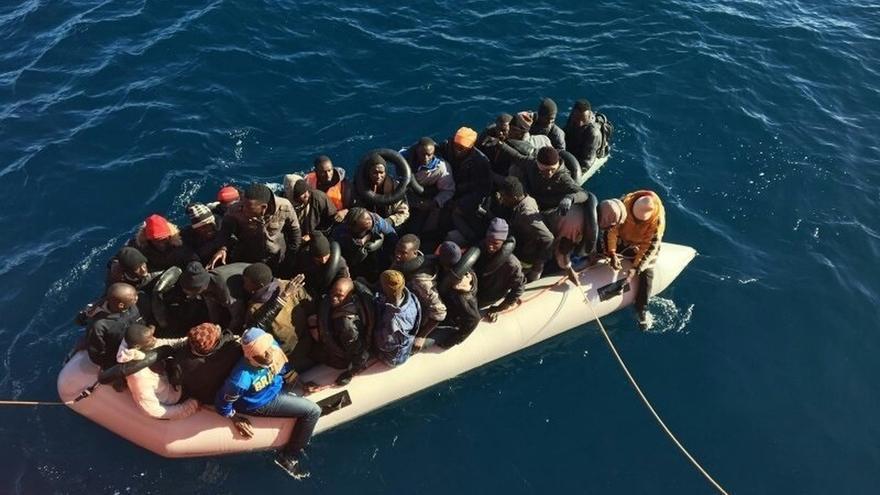 Rescatadas 29 personas y buscan una posible segunda patera en el mar de Alborán