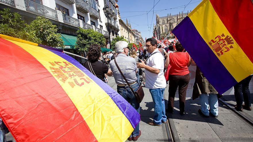 Manifestación del 1 de mayo por la Avenida de la Constitución